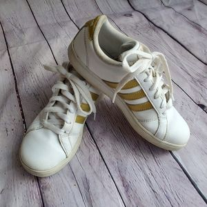 ADDIAS Shoes in Kids size 3